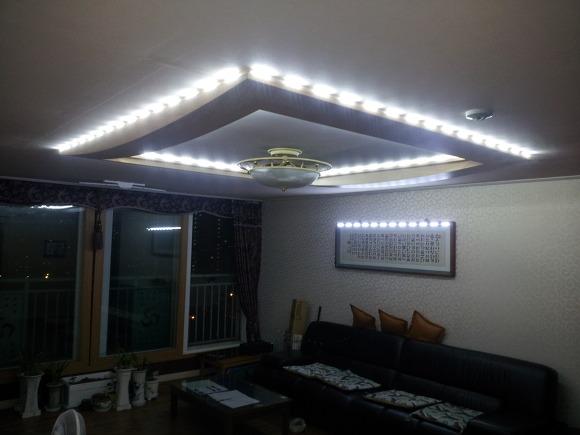 아파트에 설치한 태양광100w,120w모듈, 충전배터리, 실내조명