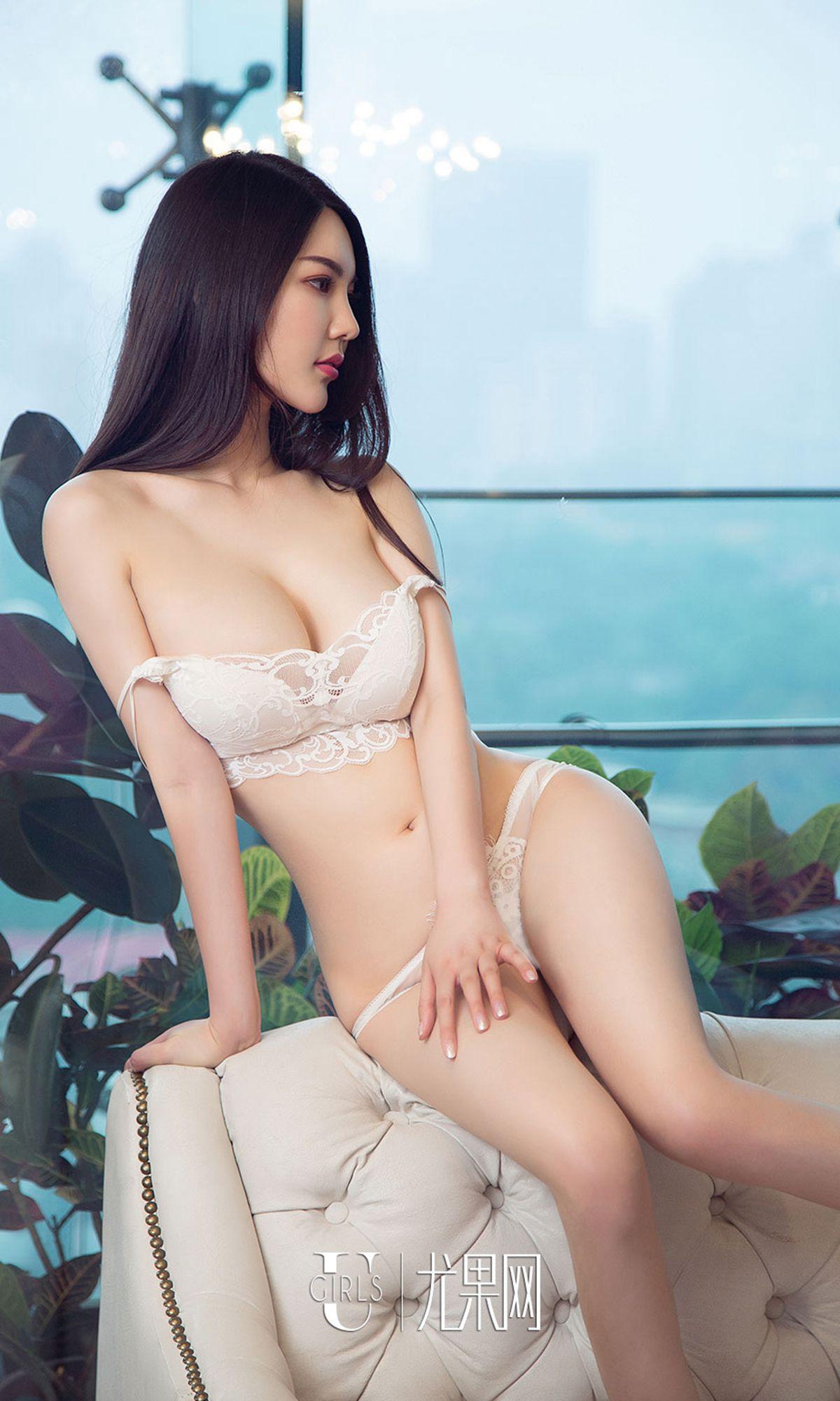 hot Chinese beautiful girl wearing sexy lingerie